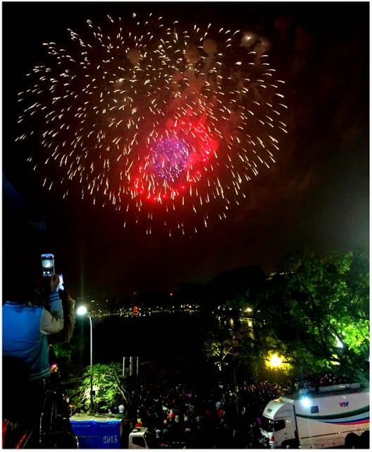 fireworks Hanoi Tet