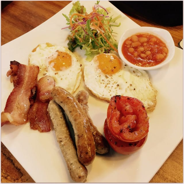 English breakfast Saigon