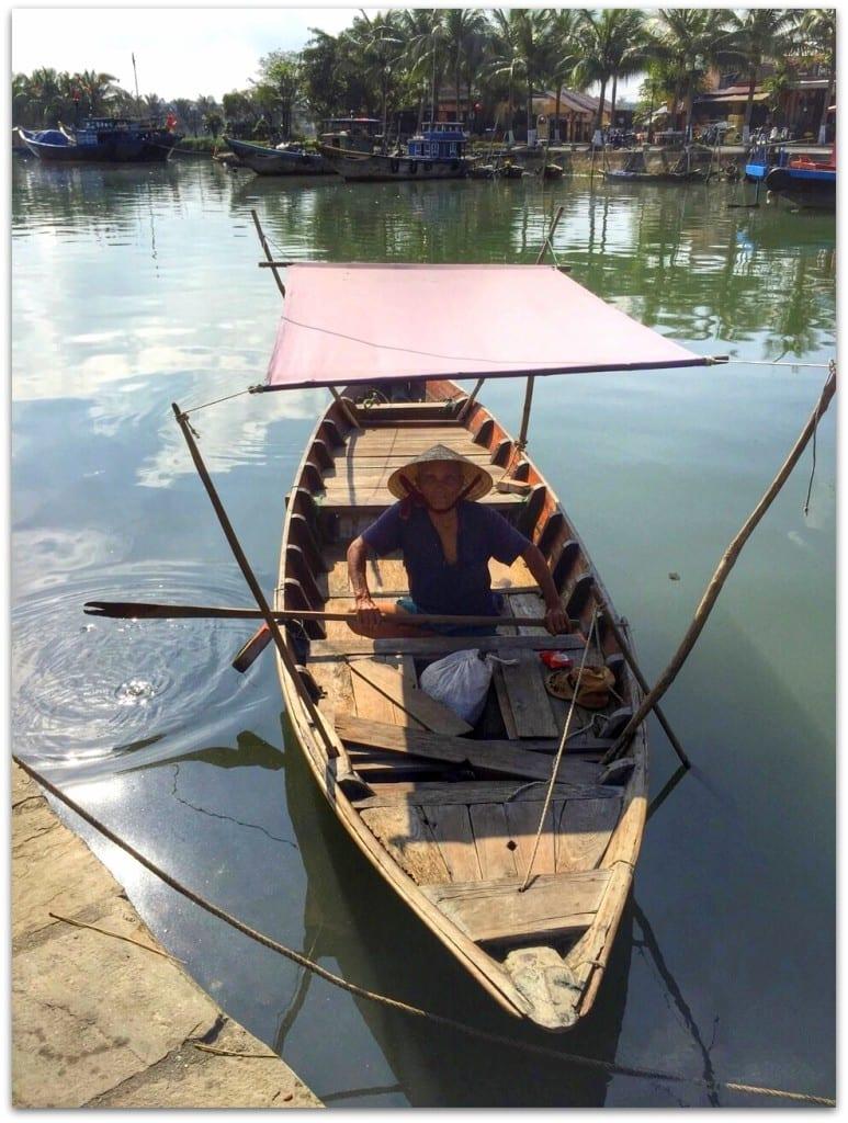 boats hoi an vietnam